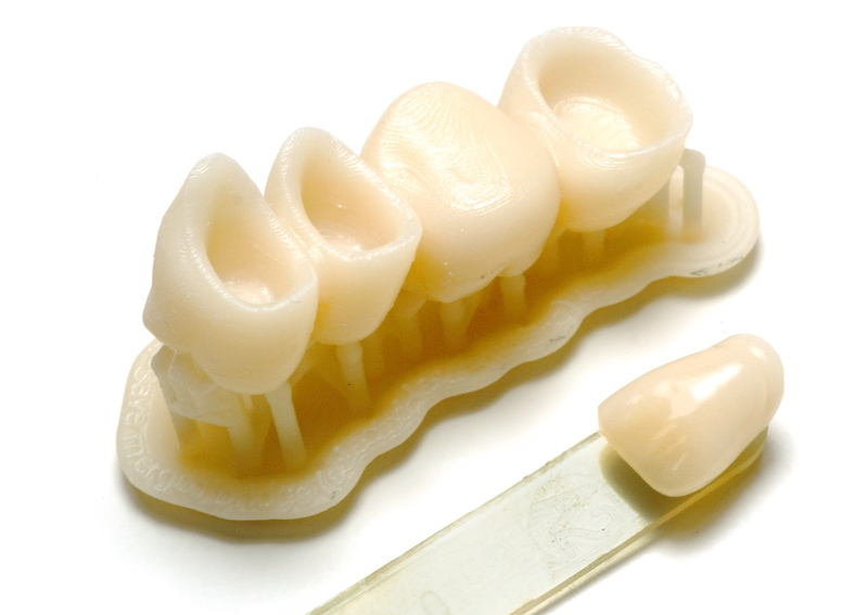 Dientes fabricados con HARZ Labs Dental Sand Resin