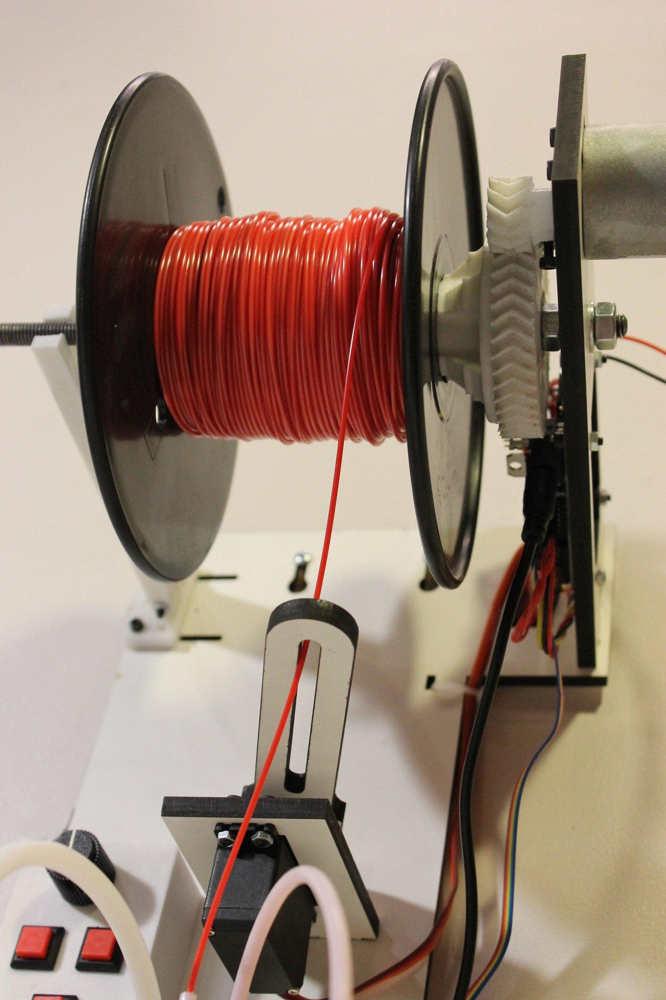 Detalhe do guia em filawinder para enrolar o filamento da impressora 3D